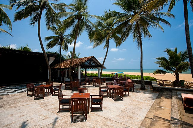 Avani-Kalutara-Resort-Bar